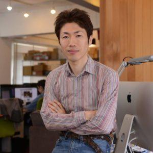 平岡 謙一 氏, 経営戦略